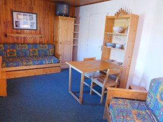 2 bedroom Apartment in Les Boisses, Auvergne-Rhone-Alpes, France : ref 5514112