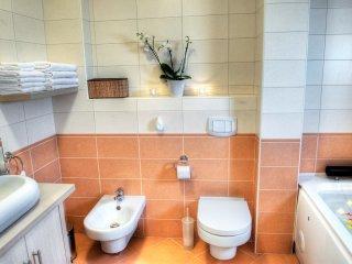 5 bedroom Apartment in Pobri, Primorsko-Goranska Zupanija, Croatia : ref 5518311