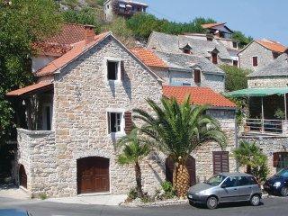 3 bedroom Villa in Stomorska, Splitsko-Dalmatinska Županija, Croatia : ref 55218
