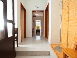 4 bedroom Villa in Kovacevici, Splitsko-Dalmatinska Zupanija, Croatia : ref 5558