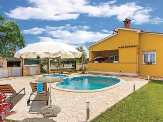 2 bedroom Villa in Fondole, Istria, Croatia : ref 5520742