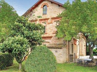 4 bedroom Villa in Centofinestre, The Marches, Italy : ref 5523344
