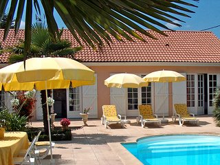 4 bedroom Villa in Ludon-Medoc, Nouvelle-Aquitaine, France : ref 5513582