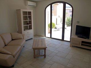 2 bedroom Villa in Saint-Rémy-de-Provence, Provence-Alpes-Côte d'Azur, France :