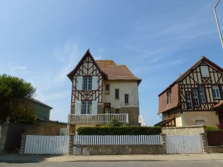 3 bedroom Villa in Blonville-sur-Mer, Normandy, France : ref 5518321
