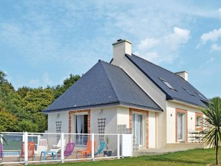 4 bedroom Villa in Saint-Évarzec, Brittany, France : ref 5522063