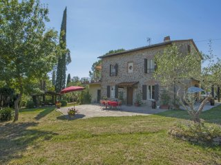 5 bedroom Villa in Bussoli, Tuscany, Italy : ref 5569784