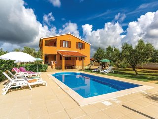 3 bedroom Villa in Vodnjan, Istria, Croatia : ref 5520471