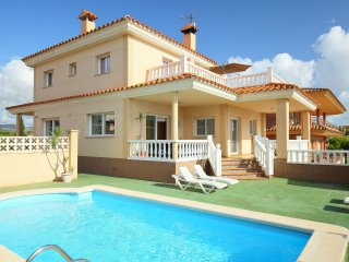 6 bedroom Villa in L'Ampolla, Catalonia, Spain : ref 5514691
