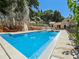 4 bedroom Villa in Mlini, Dubrovacko-Neretvanska Zupanija, Croatia - 5573570