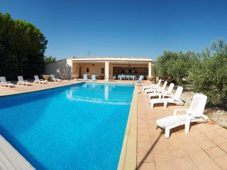 3 bedroom Villa in Cucuron, Provence-Alpes-Cote d'Azur, France : ref 5569651