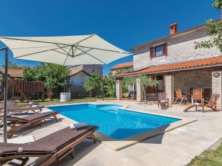 4 bedroom Villa in Čabrunići, Istria, Croatia : ref 5520494