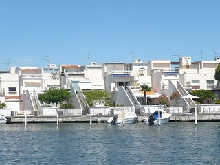 2 bedroom Apartment in Port Camargue, Occitania, France : ref 5517579