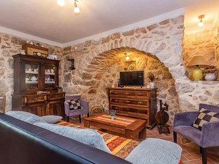 2 bedroom Villa in Rasopasno, Primorsko-Goranska A1/2upanija, Croatia : ref 552112