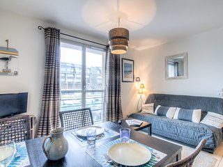 3 bedroom Apartment in Trouville-sur-Mer, Normandy, France : ref 5555457