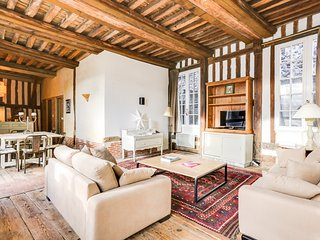 1001 Nuits apartment in the heart of historic Honfleur