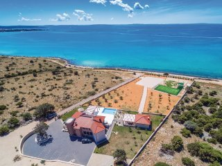 5 bedroom Villa in Sankov, Licko-Senjska Zupanija, Croatia : ref 5521496