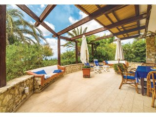 4 bedroom Villa in Contrada Cipollazzo, Sicily, Italy : ref 5540041