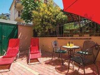 2 bedroom Villa in Split, Splitsko-Dalmatinska Zupanija, Croatia : ref 5562524