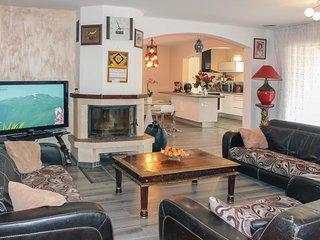 5 bedroom Villa in Les Angles, Occitania, France : ref 5522269