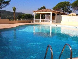2 bedroom Apartment in Sainte-Maxime, Provence-Alpes-Cote d'Azur, France : ref 5