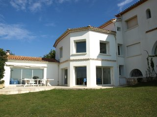 4 bedroom Apartment in Pontaillac, Nouvelle-Aquitaine, France : ref 5517938