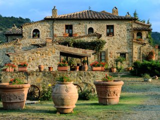 6 bedroom Villa in Seggiano, Tuscany, Italy : ref 5514846