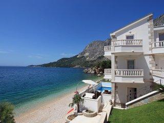5 bedroom Villa in Dicmo, Splitsko-Dalmatinska Zupanija, Croatia : ref 5518448