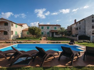 7 bedroom Villa in Baldasi, Istria, Croatia : ref 5520514