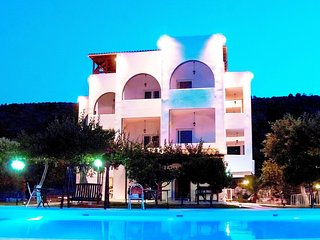 10 bedroom Apartment in Sesi, Attica, Greece - 5519720