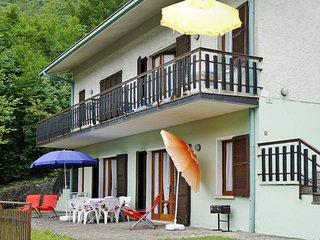 2 bedroom Apartment in Crone, Lombardy, Italy : ref 5440701
