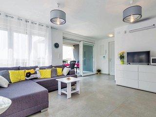 4 bedroom Villa in Njivice, Primorsko-Goranska Županija, Croatia : ref 5521184