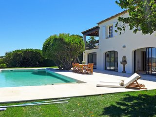 5 bedroom Villa in Sainte-Maxime, Provence-Alpes-Cote d'Azur, France : ref 55172