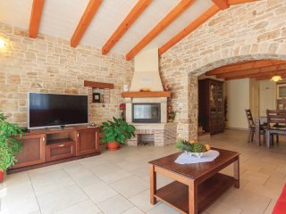 3 bedroom Villa in Valtura, Istria, Croatia : ref 5520401