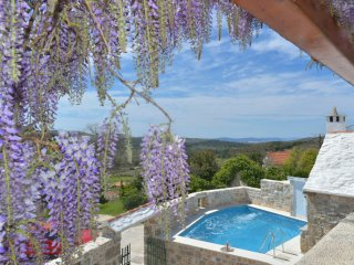 2 bedroom Villa in Donji Humac, Croatia - 5517205