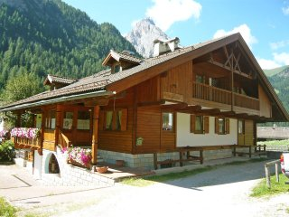 4 bedroom Apartment in Lorenz, Trentino-Alto Adige, Italy : ref 5516222