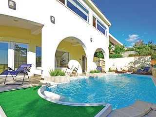 6 bedroom Villa in Pag, Zadarska Županija, Croatia : ref 5521509