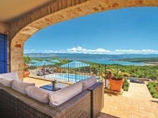 5 bedroom Villa in Sužan, Primorsko-Goranska Županija, Croatia : ref 5521128