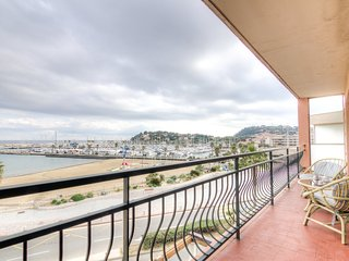 3 bedroom Apartment in Cavalaire-sur-Mer, Provence-Alpes-Cote d'Azur, France : r