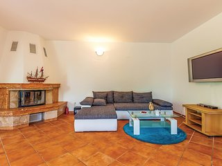 4 bedroom Villa in Gabonjin, Primorsko-Goranska A1/2upanija, Croatia : ref 5521213