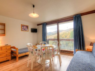 2 bedroom Apartment in Le Corbier, Auvergne-Rhône-Alpes, France : ref 5051165