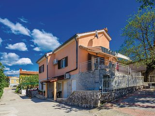 5 bedroom Villa in Omisalj, Primorsko-Goranska Zupanija, Croatia : ref 5532931