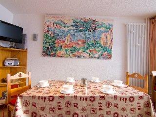 2 bedroom Apartment in Les Ménuires, Auvergne-Rhône-Alpes, France : ref 5514215