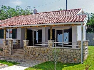 2 bedroom Villa in Kampor, Primorsko-Goranska Županija, Croatia : ref 5515898