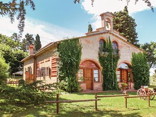 6 bedroom Villa in Grecciano, Tuscany, Italy - 5523608
