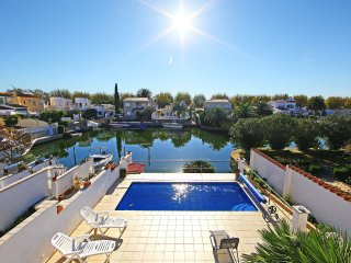 3 bedroom Villa in Empuriabrava, Catalonia, Spain : ref 5515552