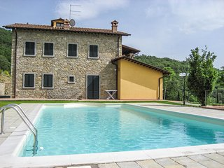 Villa with private pool & panoramic views 13km from Arezzo & 2,5 from village