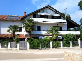 Buzinija Apartment Sleeps 6 with Pool Air Con and WiFi - 5460808