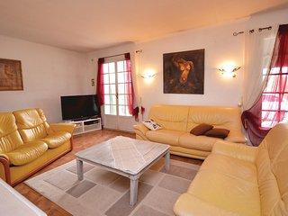 5 bedroom Villa in La Tour-d'Aigues, Provence-Alpes-Cote d'Azur, France : ref 55