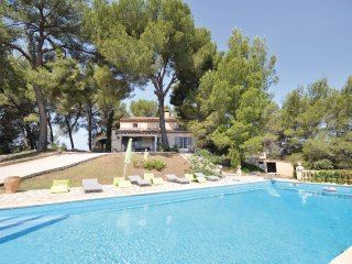 5 bedroom Villa in La Tour-d'Aigues, Provence-Alpes-Côte d'Azur, France : ref 55